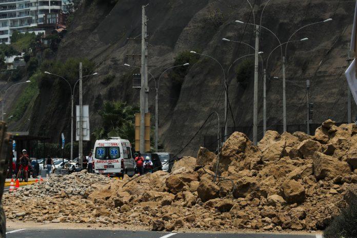 Derrumbe en la Costa Verde / Foto: Andina
