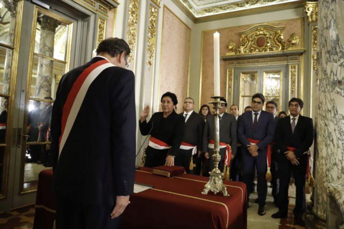 Ceremonia de juramentación en Palacio de Gobierno.