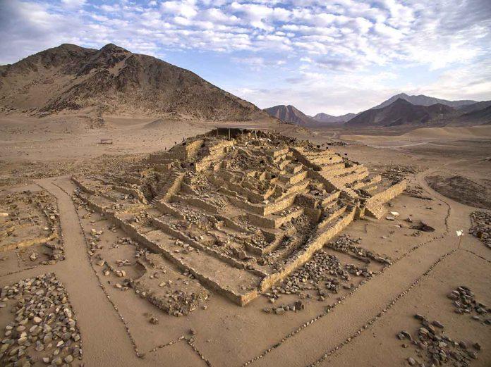 Caral: edificio piramidal