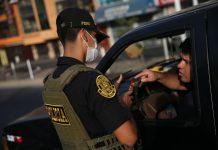 Control policial en la inmovilización obligatoria / Foto: Andina
