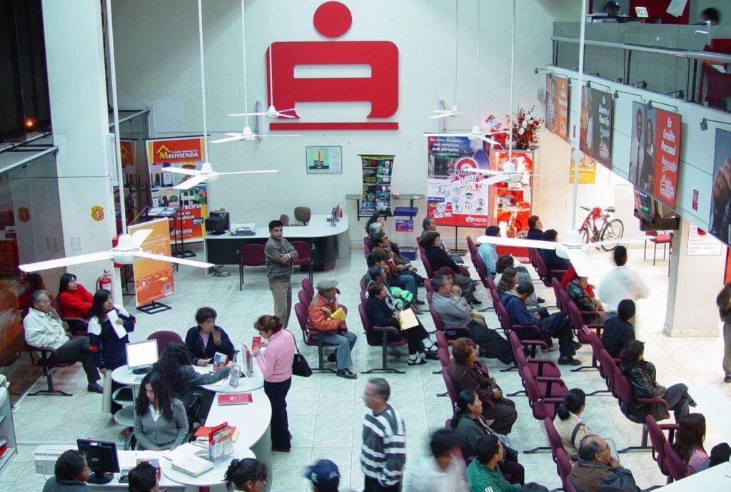 Federación Peruana de Cajas Municipales de Ahorro y Crédito (FEPCMAC).