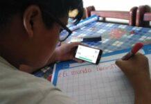 Clases escolares en Perú