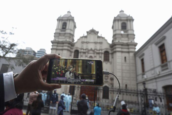 Reapertura de iglesias en Perú